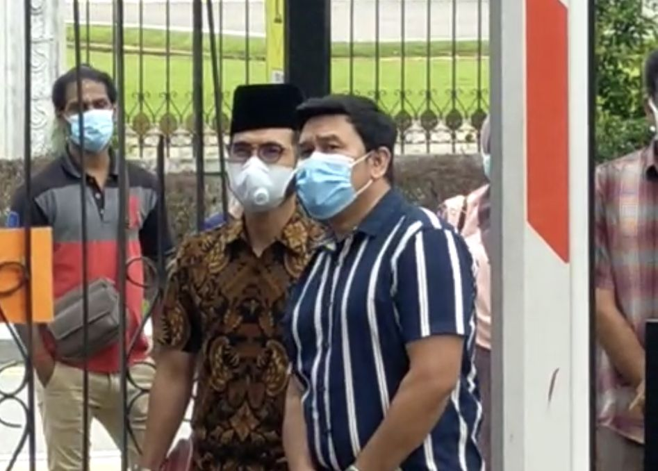Wak Doyok ketika berada di Kompleks Mahkamah Sesyen Johor Bahru.