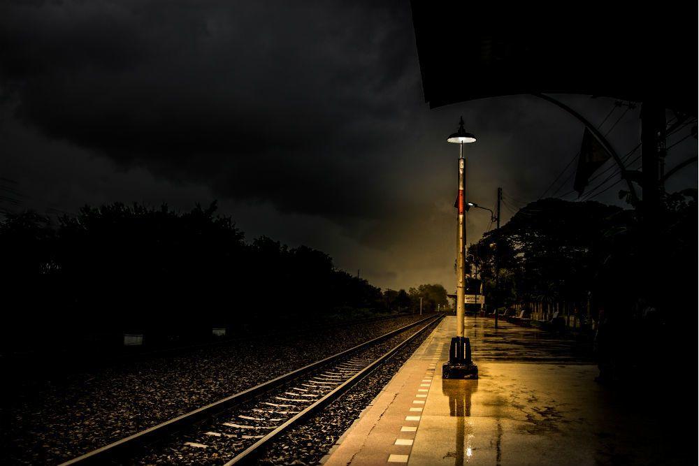 Suara Wanita Mengilai Dirakam Cctv Kelibat Tanpa Kepala Usung Keranda Ini Kisah 6 Stesen Kereta Api Terseram Dunia Mistik Mstar