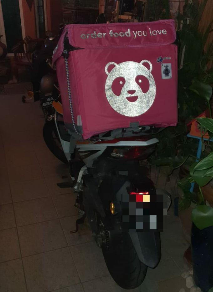 pelanggan gelang pink 3