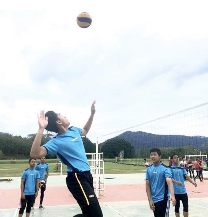 guru lompat tinggi 2